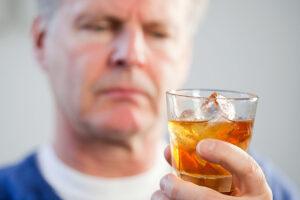 пенсионер-алкоголик